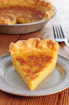 Chess Pie |shewearsmanyhats.com #pie