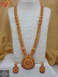 whatsapp worldwide shipping available at Gold Chain Design, Gold Bangles Design, Gold Earrings Designs, Gold Jewellery Design, Necklace Designs, Indian Jewelry Earrings, Fancy Jewellery, Bridal Jewelry, Gold Bangles For Women