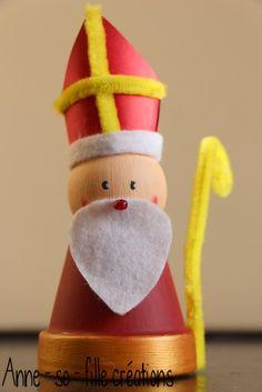Un bricolage de Saint-Nicolas - New Ideas Prim Christmas, Kids Christmas, Christmas Crafts, Christmas Decorations, Retro Christmas, Holiday Decor, Father Christmas, Crafts For Girls, Diy And Crafts