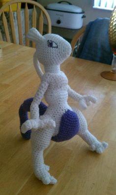 Mewtwo Crochet by missivoryskinneddoll.deviantart.com
