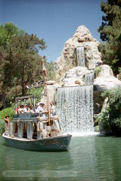 Disneyland Keel Boat and Cascade Peak, 1996 Old Disney, Disney Fun, Disney Magic, Disney Parks, Walt Disney World, Disney Rides, Disney Stuff, Go Disneyland, Disneyland California