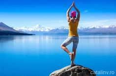 The 5 Best Hacks to Fit Yoga Into Your Busy Mom Schedule – Holly Days Chicago Yoga Balance Poses, Yoga Poses, One Million Dollars, One In A Million, Jin, Chakras, Pilates, How To Regulate Hormones, Mom Schedule