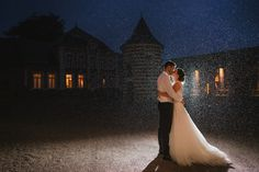 Love, love, love...  Wedding in the rain  #wedding #mariage #rain #pluie #photographe #photographer #france #couple #realwedding #nord #pas de calais #hautsdefrance