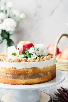 Apfeltorte mit Vanillecreme und Zimtstreuseln | Mein Naschglück Muffins, Cheesecake, Donut Decorations, Cupcakes, Bread Cake, Monkey Business, Sweet Bread, Apple Pie, Vanilla Cake