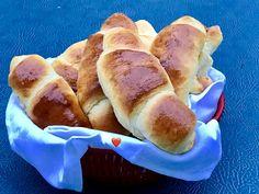 Oppskriften er inspirert av meg. Super deig med mange muligheter. Hot Dog Buns, Hot Dogs, 20 Min, Kefir, Horn, Bakery, Bread, Horns, Bakery Shops