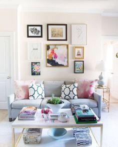 Llegó la temporada del color y queremos presentarte fantásticas ideas para decorar la sala en primavera. Y es que durante este tiempo queremos disfrutar el clima y los colores primaverales en nuestro hogar no se hacen esperar.