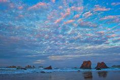 Alex Morley - Google+ - Winter Sunrise a year ago in Bandon, Oregon Coast. Bandon Oregon, Oregon Coast, Oregon Road Trip, Oregon Travel, A Year Ago, Pacific Northwest, North West, Coastal, Sunrise