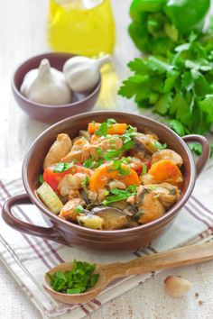 Chicken Stew [GMc Notes: Used this basic recipe with the following changes: used 2 chicken breasts (Cajun seasoned), added mushrooms. Sorted in frozen peas and roasted corn after pressure cooking. Tastes even better with a dash of Tabasco added at serving.]