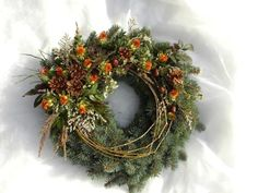 Rezervace Mix velikostí 2 x 15 cm 1 x 20 cm 1 x 25 cm Front Door Christmas Decorations, Christmas Front Doors, Front Door Decor, Christmas Wreaths, Holiday Decor, Wall Pockets, Funeral, Projects To Try, Seasons