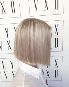 Medium Short Hair, Medium Hair Styles, Short Hair Styles, Pretty Hairstyles, Bob Hairstyles, New Hair Look, Blonde Hair Shades, Corte Y Color, Hair Color And Cut