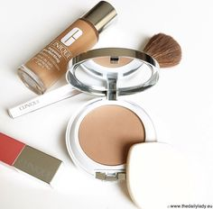 CLINIQUE BEYOND PERFECTING POWDER FOUNDATION AND CONCEALER review #thedailylady www.thedailylady.eu