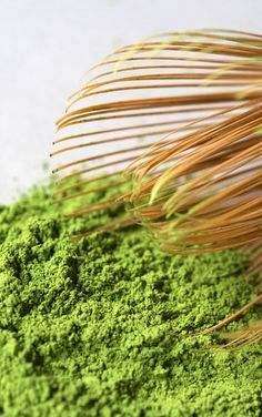 What is #matcha? Get answers, tips, and recipes with this matcha guide. #tea #greentea #matchatea