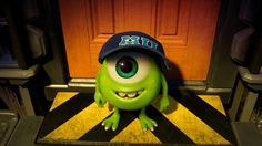 I LOVE tiny Mike Wazowski!!!!!!