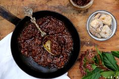 Sticky fig, red onion and balsamic jam by petite kitchen Paleo Keto Recipes, Cooking Recipes, Paleo Food, Healthy Food, Red Onion Chutney, Petite Kitchen, Clean Eating, Healthy Eating, Fig Jam