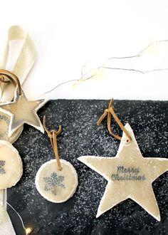 DIY Christmas star made of salt dough – quick and easy craft ideas - Decoration 4 Diy Christmas Star, Christmas Decorations, Christmas Holiday, Poinsettia, Salt Dough Christmas Ornaments, Quick And Easy Crafts, Navidad Diy, Diy Weihnachten, Ideas Manualidades
