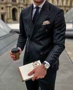 Discover recipes, home ideas, style inspiration and other ideas to try. Mens Fashion Suits, Mens Suits, Fashion Menswear, Formal Men Outfit, Classic Suit, Pinstripe Suit, Stylish Mens Outfits, Street Style, Men Style Tips