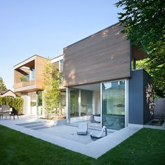 Building with bamboo garden in North Vancouver-Canada,@ Splyce Design
