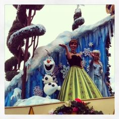 Festival of Fantasy Parade at Walt Disney World: A great way to see your favorite Frozen characters!