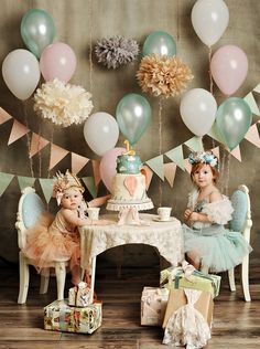 family portrait ideas with kids and balloons on a table