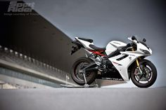 Looking for used Triumph Daytona motorbikes? Find your ideal second hand used Triumph Daytona motorbikes from top dealers and private sellers in your area with PistonHeads Classifieds. Triumph 675, Triumph Daytona 675, Triumph Motorcycles, Daytona Car, R Wallpaper, Bike Life, Sport Bikes, Cool Bikes, Modern Classic