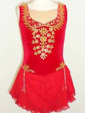 It is beautiful and incredibly sparkling. Baton Twirling Costumes, Ice Skating Dresses, Beautiful Figure, Blouse Designs, Custom Made, Tank Tops, Fitness, Clothes, Winter Sports