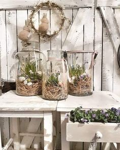 11 lovely fresh DIY ideas for the Frühling – DIY Bastelideen Spring Decoration, Decoration Christmas, Easter Table Decorations, Holiday Decor, Evening Pictures, Large Glass Jars, Shabby Chic Garden, Boutique Deco, Spring Crafts