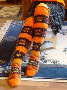 by Sinikka Nissi -- beautiful! Knitting Wool, Fair Isle Knitting, Knitting Socks, Hand Knitting, Crochet Socks Pattern, Knit Patterns, Wool Socks, My Socks, Handmade Clothes