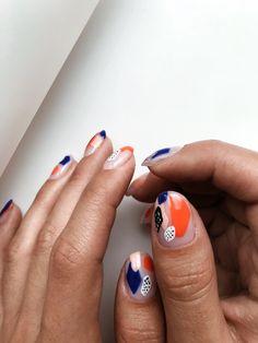 makeup nailart and makeup salon design and makeup salon design inc nail makeup nail makeup and makeup salon design nail art designs hansen chrome nail makeup Minimalist Nails, Ten Nails, Nail Polish, Manicure Y Pedicure, Manicure Ideas, Makeup Salon, Makeup Studio, Clear Nails, Nagel Gel