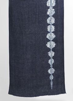 Aderyn Caniad. Birdsong.  Shibori resist  Indigo on linen  2011  Images:  Pinegate