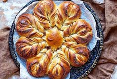 Step by Step pics of Cinnamon Star Bread Bakealong - Flourish - King Arthur Flour: You'll never believe how easy it is to make this gorgeous holiday loaf! Take our Cinnamon Star Bread Bakealong challenge and reveal your inner artist. Cinnamon Star Bread Recipe, Cinnamon Rolls, Bread Recipe King Arthur, King Arthur Flour, Naan, Flour Recipes, Bread Recipes, Pastry Recipes, Baking Recipes