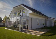 Article: Retractable sun-room MIA