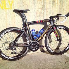 La nuova bellissima #F10 del #TeamWiggins! Vi piace? Don't forget to follow my friend from ➡️ @t0p_bikes ⬅️ #Wiggins #Pinarello #F10NaturalBornWinner #BradleyWiggins #Zipp #Rapha #StrongCycling #Cycle #Cycling #Ciclismo #Bici #Bike #Bicycle #Bikelife #Bikeporn #Bikeride #Bicicleta #BiciDaCorsa #RoadBike #Velo #UCI #IgersCycling #ProCycling #CyclingPhotos #CyclingLife #Bicicletta