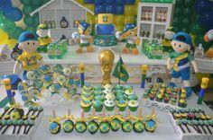 Festa infantil para Copa do Mundo. Festa verde-amarela! Mais fotos em: http://mamaepratica.com.br/2014/06/12/mamae-em-festa-verde-e-amarelo/ Foto: Mamãe Prática Brazilian children's party - World Cup
