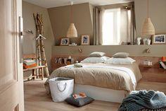 Decofilia trae diferentes formas para decorar casas con molduras en las paredes. Las hay barrocas, historiadas, de guirnaldas y también sencillas y livianas.
