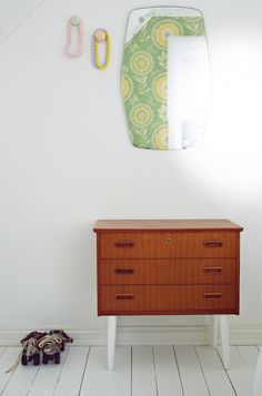 wonder if i could turn an old ugly dresser, change the legs and make it look like this? possible DIY