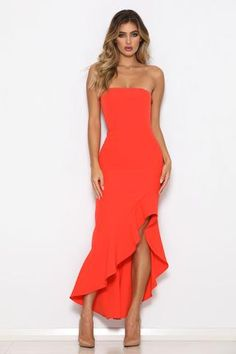 Featuring a strapless cut, and hot orange colour, Girlfriend gives a gorgeous feminine vibe. Tight Dresses, Ball Dresses, Sexy Dresses, Nice Dresses, Prom Dresses, Summer Dresses, Casual Chique, Tango Dress, Midi Cocktail Dress
