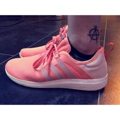 Shoe love 🍑 anarchism