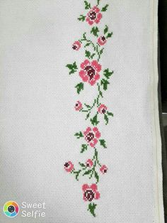 This Pin was discovered by Mev Cross Stitch Rose, Cross Stitch Flowers, Cross Stitch Patterns, Prayer Rug, Cushion Covers, Hand Embroidery, Diy And Crafts, Handmade, Charts