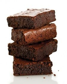"""The ultimate potluck dessert: """"You don't need a fork or a plate for brownies; they can be made the night before; and everybody loves chocolate,"""" says Shira.Get the Double-Chocolate Brownies Recipe Double Chocolate Brownies, Fudgy Brownies, Nutella Brownies, Homemade Brownies, Chocolate Squares, Recettes Martha Stewart, Martha Stewart Recipes, Martha Stewart Brownies, Vanilla"""