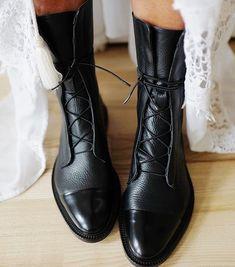 Leather Brogue Boots – - Jensie Culton - Damen Hochzeitskleid and Schuhe! Flat Heel Boots, Shoe Boots, Leather Brogues, Leather Boots, Leather And Lace, Pu Leather, Patent Leather, Black Leather, Leather Fashion