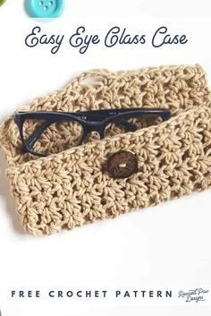 Crochet Bag Free Crochet Glasses Case Pattern by Rescued Paw Designs - Looking to make your own DIY glasses case? Use yarn and crochet your very own eye glass case today! DIY Glasses Case that you can crochet! You have come to the right place if you Crochet Case, Crochet Phone Cases, Crochet Shell Stitch, Crochet Diy, Love Crochet, Crochet Gifts, Crochet Phone Case Pattern Free, Free Pattern, Crochet Ideas