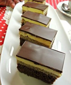 Sweets Recipes, No Bake Desserts, Easy Desserts, Cookie Recipes, Romanian Desserts, Romanian Food, Different Cakes, Sweet Cakes, Food To Make