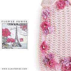 Flower Power - Cashmere Clothes for Dogs #AlwaysMineMilano #fashion #cashmere #fashionista #tranoifemmeaw1617 #tranoi #stylish  #gold #jewelry #madeinitaly #milano #vogue #elle #luxury #tranoishow  #parisfashionweek #fashiontradeshow #tranoifashion #tradeshow #autumnwinter1617 #paris #carrouseldulouvre #tranoifemme