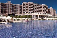 Bulgarije Zwarte Zeekust Zonnestrand Sunny Beach  Ligging:Barceló Royal Beach Appartementen in het gezellige centrum van Sunny Beach gelegen en op ca. 70 m van het prachtige zandstrand. Nessebar ligt op ca. 6 km en kunt u te voet via de...  EUR 485.00  Meer informatie  #vakantie http://vakantienaar.eu - http://facebook.com/vakantienaar.eu - https://start.me/p/VRobeo/vakantie-pagina