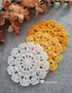 Marigold Crochet Lace Coasters Free Pattern If you are looking for quick and easy crochet coasters, you will love this lightweight and lacy texture. Plus the pattern is very easy and fast too. Crochet Coaster Pattern, Crochet Doily Patterns, Crochet Motif, Crochet Yarn, Crochet Circle Pattern, Thread Crochet, Quick Crochet, Crochet Round, Crochet Dollies