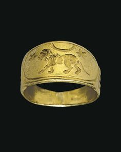 A ROMAN GOLD FINGER RING - CIRCA 2ND CENTURY A.D.