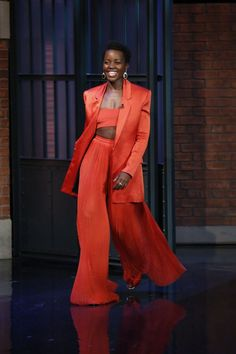 …or Hmm: Lupita Nyong'o Late Night with Seth Meyers' Balmain Spring 2015 Orange Three Piece Suit Haute Couture Style, Black Girl Fashion, High Fashion, Womens Fashion, Hollywood Fashion, Overall Lang, Looks Style, My Style, Style Men
