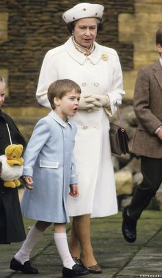 14 Photos That Show Prince William Is the Apple of Queen Elizabeth II's Royal Eye Prince William And Catherine, Prince Philip, Princess Margaret, Princess Kate, Queen Mary, Queen Elizabeth Ii, Queen Of England, British Monarchy, Thing 1