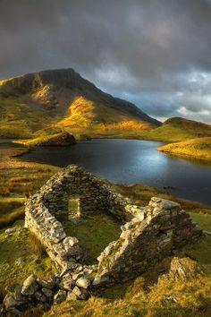 Llyn Dwyarchen, North Wales