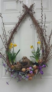 Couronne de Pâques naturelle - Easter - Best Picture For spring wreaths diy sunflower For Your Taste You are looking for something, and it is going to tell you exa Easter Flower Arrangements, Easter Flowers, Floral Arrangements, Easter Wreaths, Christmas Wreaths, Christmas Crafts, Flower Wreaths, Wreath Crafts, Diy Wreath